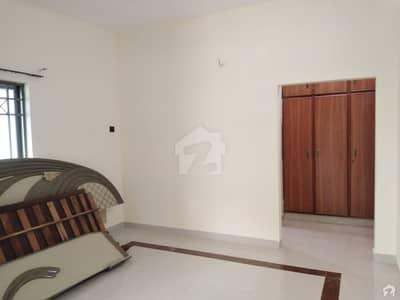 ڈی ایچ اے فیز 3 ڈیفنس (ڈی ایچ اے) لاہور میں 4 کمروں کا 10 مرلہ مکان 1.2 لاکھ میں کرایہ پر دستیاب ہے۔