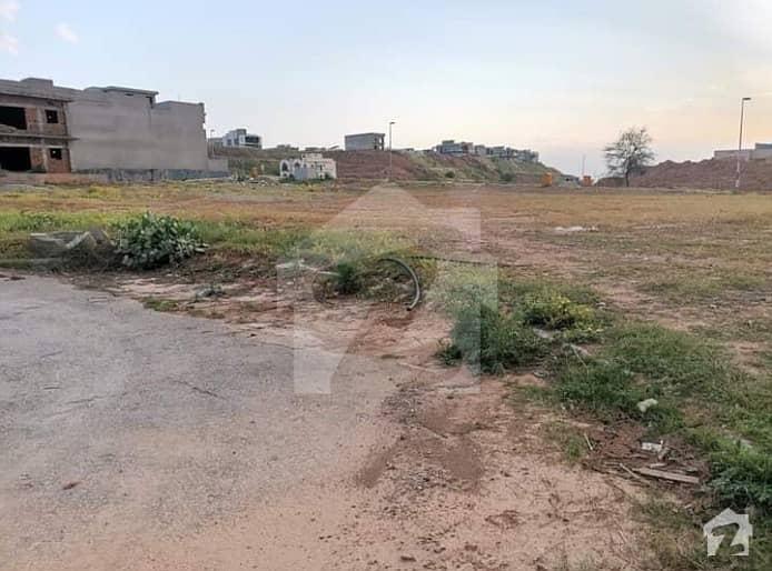 بحریہ ٹاؤن فیز 8 ۔ بلاک ای بحریہ ٹاؤن فیز 8 بحریہ ٹاؤن راولپنڈی راولپنڈی میں 12 مرلہ رہائشی پلاٹ 87 لاکھ میں برائے فروخت۔