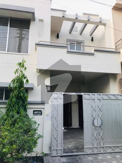 05 Marla Luxury Villas For Rent