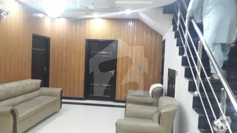 ایف ۔ 11/3 ایف ۔ 11 اسلام آباد میں 5 کمروں کا 1 کنال مکان 10.5 کروڑ میں برائے فروخت۔