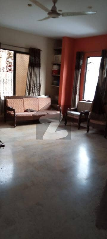 Gulshan-e- Iqbal Block 13 D 2 200 Sq Yard One Unit West Open Is Available For Rent