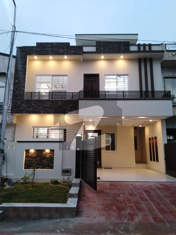 Luxury Brand New 30x60 House For Sale In G 13