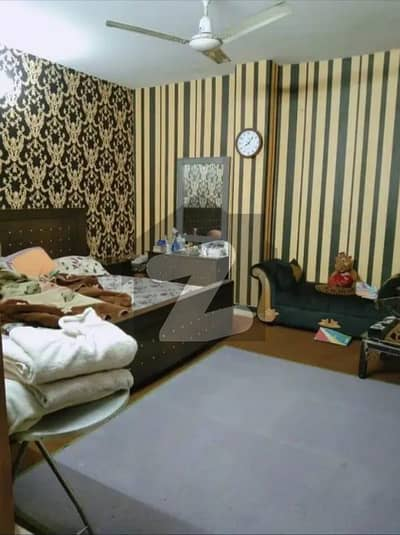 980 Square Feet Flat For Sale In Rs 4,500,000/- Only