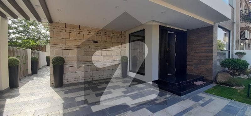 اسٹیٹ لائف ہاؤسنگ سوسائٹی لاہور میں 5 کمروں کا 8 مرلہ مکان 2.6 کروڑ میں برائے فروخت۔