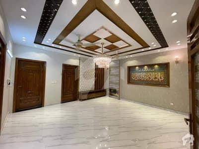بحریہ ٹاؤن سیکٹر سی بحریہ ٹاؤن لاہور میں 3 کمروں کا 10 مرلہ بالائی پورشن 43 ہزار میں کرایہ پر دستیاب ہے۔