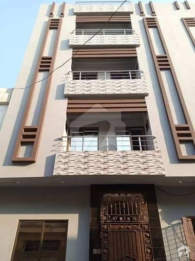 یو ایم ٹی روڈ یو ایم ٹی سوسائٹی لاہور میں 1 کمرے کا 5 مرلہ کمرہ 12 ہزار میں کرایہ پر دستیاب ہے۔