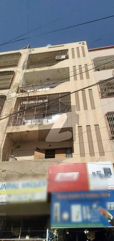 نشاط کمرشل ایریا ڈی ایچ اے فیز 6 ڈی ایچ اے کراچی میں 2 کمروں کا 4 مرلہ فلیٹ 88 لاکھ میں برائے فروخت۔