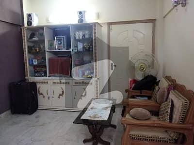 ایم اے جناح روڈ کراچی میں 2 کمروں کا 5 مرلہ فلیٹ 1.1 کروڑ میں برائے فروخت۔