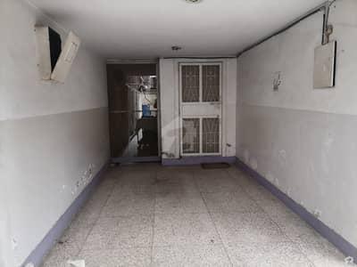 حیات آباد فیز 1 - ڈی2 حیات آباد فیز 1 حیات آباد پشاور میں 7 کمروں کا 10 مرلہ مکان 3.6 کروڑ میں برائے فروخت۔