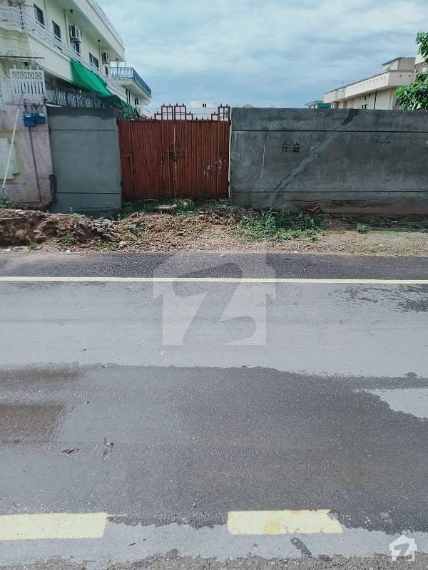 F11/2 600 Sq Yd Ideal Location Plot For Sale