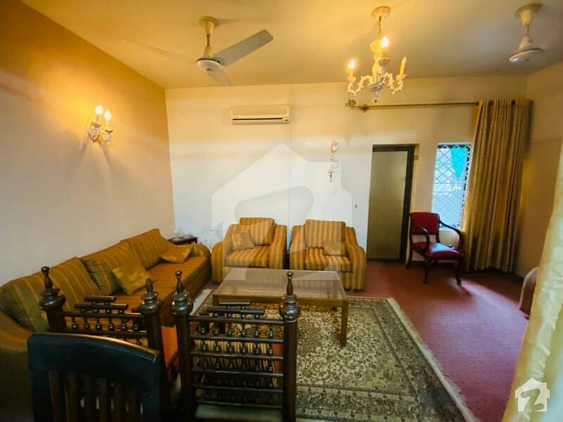Full Renovated House 4 Bed 4 Baths 2 Kitchen 2 Tv Lounge