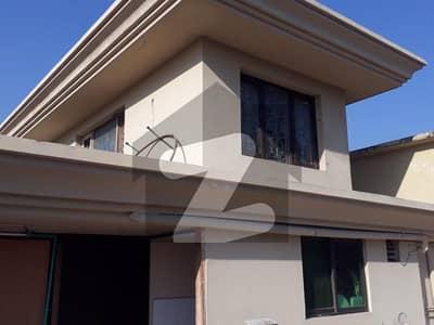 ایف ۔ 10/2 ایف ۔ 10 اسلام آباد میں 9 کمروں کا 1.2 کنال مکان 13 کروڑ میں برائے فروخت۔