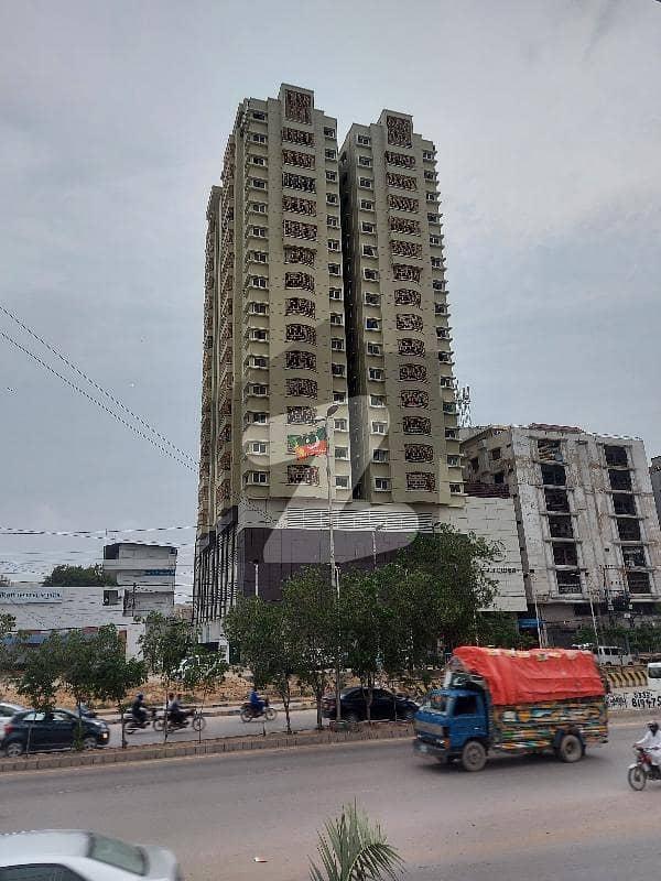 شہید ملت روڈ کراچی میں 4 کمروں کا 10 مرلہ فلیٹ 5.5 کروڑ میں برائے فروخت۔