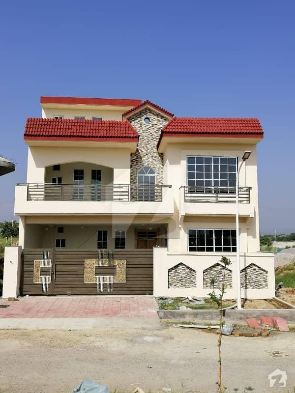 Gulberg House Sized 2250 Square Feet