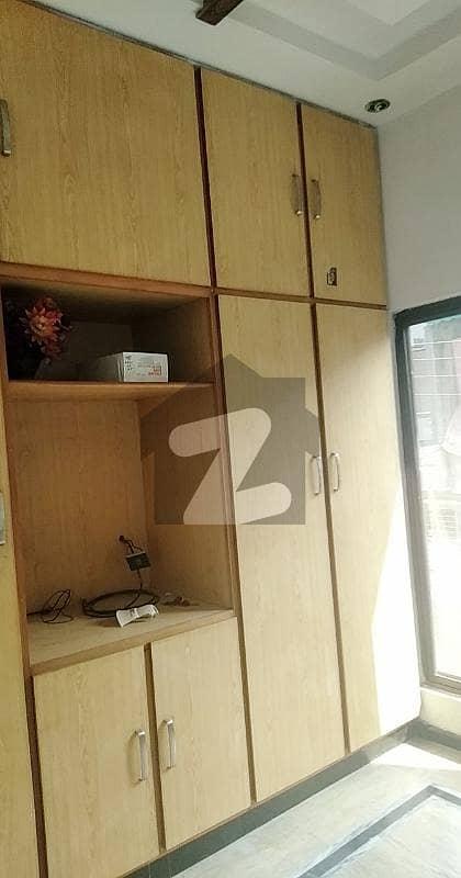 پاک عرب ہاؤسنگ سوسائٹی لاہور میں 1 کمرے کا 2 مرلہ فلیٹ 16 ہزار میں کرایہ پر دستیاب ہے۔