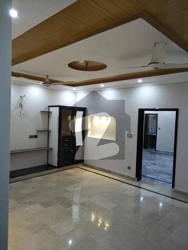 پاک عرب ہاؤسنگ سوسائٹی لاہور میں 4 کمروں کا 10 مرلہ بالائی پورشن 40 ہزار میں کرایہ پر دستیاب ہے۔