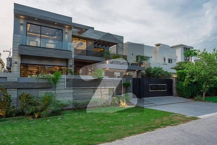 سٹی ہاؤسنگ سوسائٹی سیالکوٹ میں 6 کمروں کا 10 مرلہ مکان 2.75 کروڑ میں برائے فروخت۔