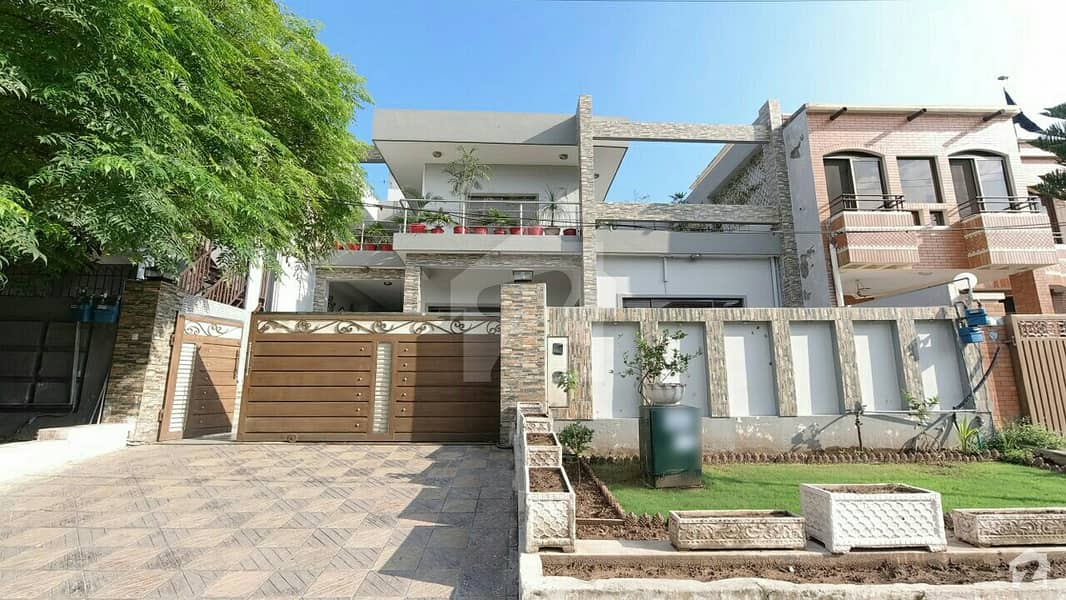 Almost New Triple Storey House Is Available For Sale