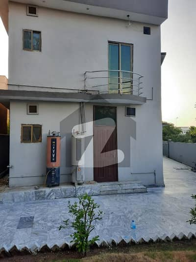 16 Marla Double Unit House is Available For Rent