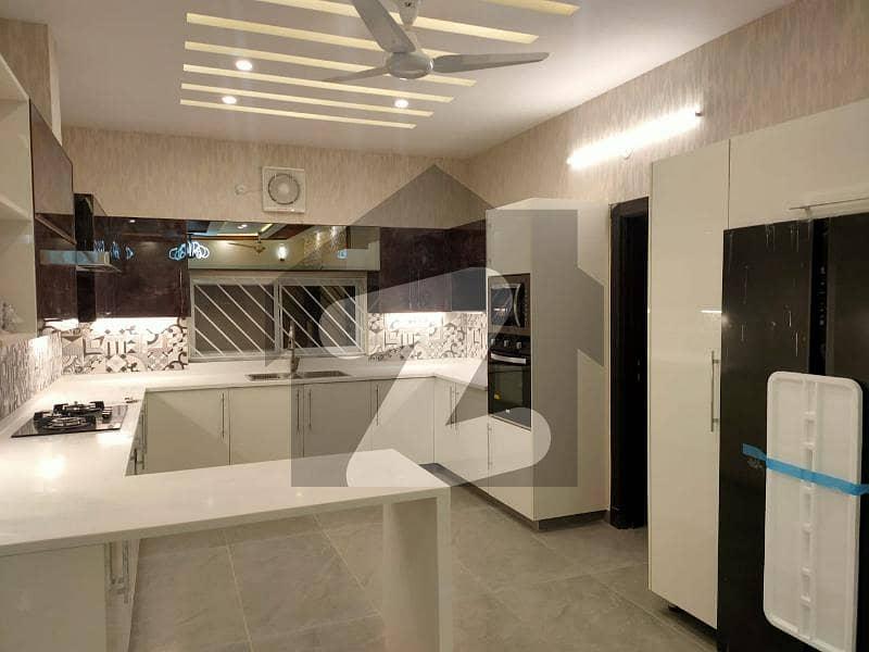 بحریہ ٹاؤن فیز 8 - سفاری ہومز بحریہ ٹاؤن فیز 8 بحریہ ٹاؤن راولپنڈی راولپنڈی میں 2 کمروں کا 5 مرلہ مکان 28 ہزار میں کرایہ پر دستیاب ہے۔