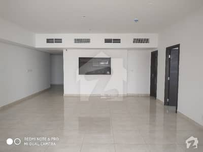 Proper Sea Facing  Higher Floor 1 Bedroom Flat With Lounge  Spacious Kitchen And Washroom With Maid Room