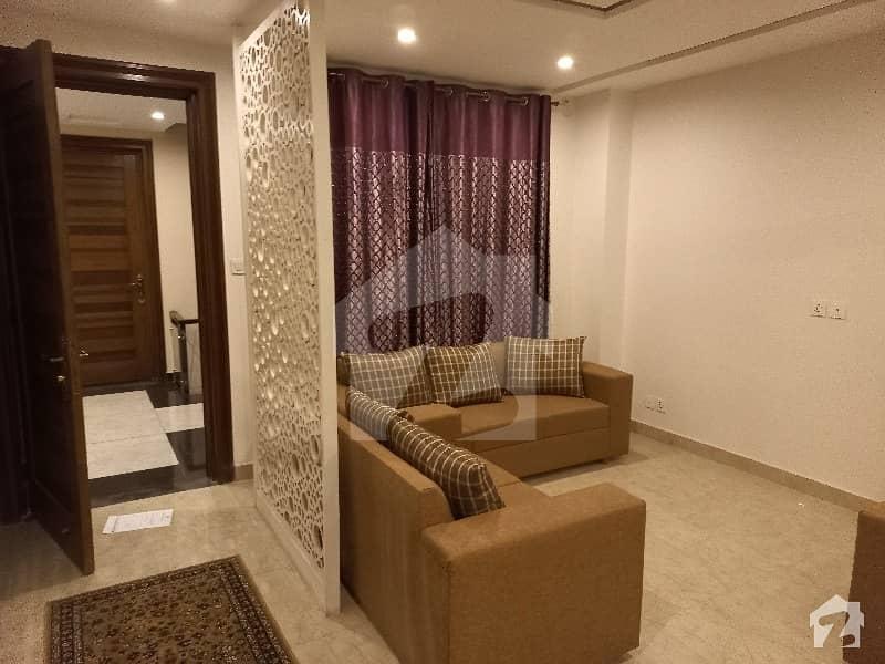 ڈی ایچ اے فیز 8 سابقہ ایئر ایوینیو ڈی ایچ اے فیز 8 ڈی ایچ اے ڈیفینس لاہور میں 2 کمروں کا 5 مرلہ فلیٹ 1.25 کروڑ میں برائے فروخت۔