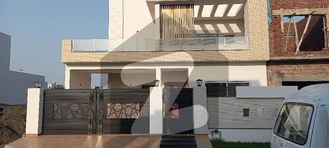 ڈریم گارڈنز - بلاک ای ڈریم گارڈنز ڈیفینس روڈ لاہور میں 5 کمروں کا 10 مرلہ مکان 2.45 کروڑ میں برائے فروخت۔