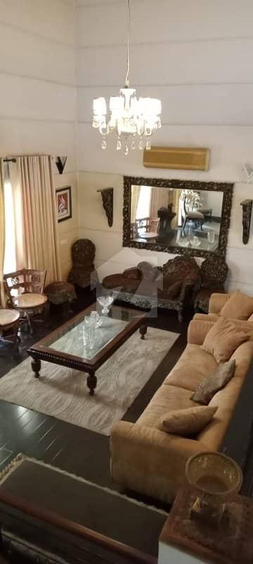 ڈی ایچ اے فیز 2 ڈیفنس (ڈی ایچ اے) لاہور میں 4 کمروں کا 1 کنال مکان 3 لاکھ میں کرایہ پر دستیاب ہے۔