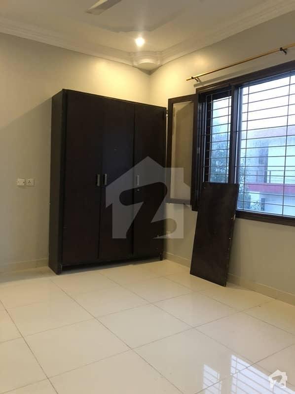 ڈی ایچ اے فیز 7 ایکسٹینشن ڈی ایچ اے ڈیفینس کراچی میں 4 کمروں کا 5 مرلہ مکان 1.1 لاکھ میں کرایہ پر دستیاب ہے۔