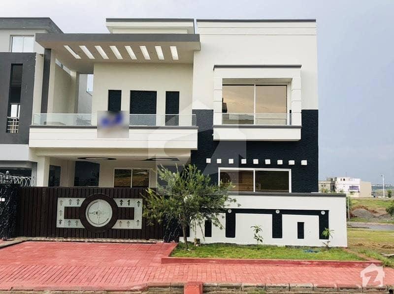 10 Marla Brand New Designer House For Sale