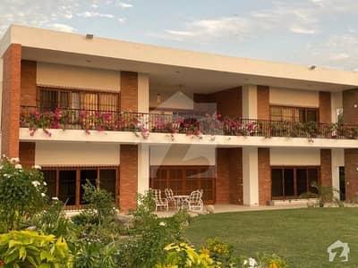 اولڈ کلفٹن کراچی میں 5 کمروں کا 4.8 کنال مکان 15 لاکھ میں کرایہ پر دستیاب ہے۔