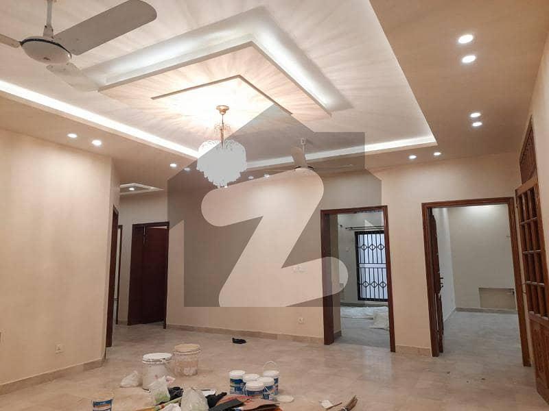 ڈی ایچ اے فیز 2 ڈیفنس (ڈی ایچ اے) لاہور میں 3 کمروں کا 1 کنال بالائی پورشن 65 ہزار میں کرایہ پر دستیاب ہے۔