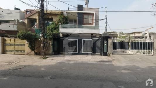 شاہ جمال لاہور میں 4 کمروں کا 7 مرلہ مکان 2.5 کروڑ میں برائے فروخت۔
