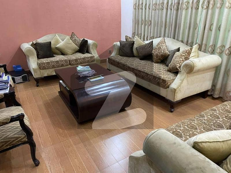 10 Marla Stunning House With Basement & Registry For Sale In Paragon City