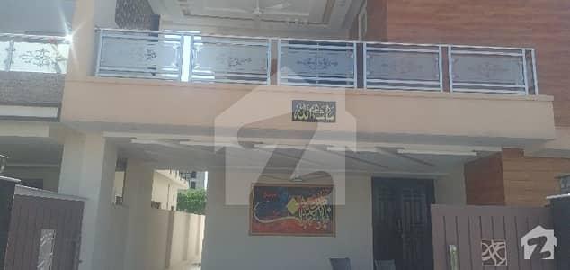 بحریہ ٹاؤن فیز 8 ۔ سیکٹر ایف - 1 بحریہ ٹاؤن فیز 8 بحریہ ٹاؤن راولپنڈی راولپنڈی میں 5 کمروں کا 10 مرلہ مکان 2.95 کروڑ میں برائے فروخت۔