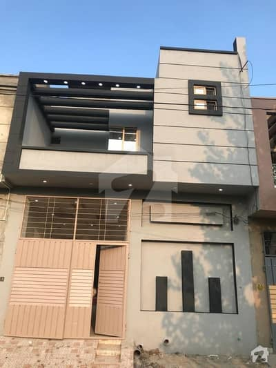حمزہ ٹاؤن لاہور میں 3 کمروں کا 4 مرلہ مکان 72 لاکھ میں برائے فروخت۔