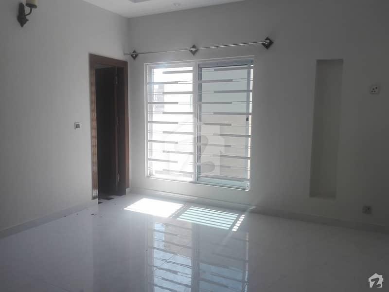 ایف ۔ 11 اسلام آباد میں 4 کمروں کا 1 کنال مکان 9.5 کروڑ میں برائے فروخت۔