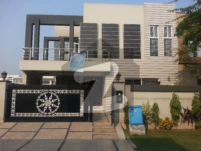 10 Marla Beautiful House For Sale In Paragon City With Registry