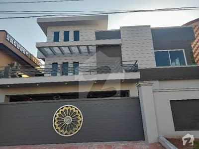 1 kanal Brand New House For Sale