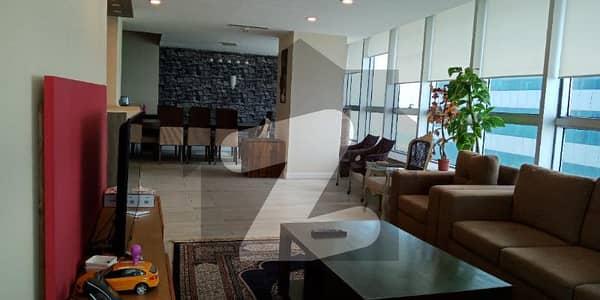 جناح ایوینیو اسلام آباد میں 4 کمروں کا 1 کنال فلیٹ 15 کروڑ میں برائے فروخت۔