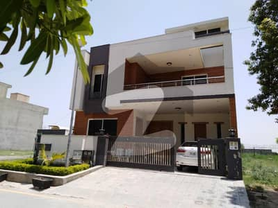 312 Sq Yard Beautiful Double Unite House For Sale In E-11 Multi Professional