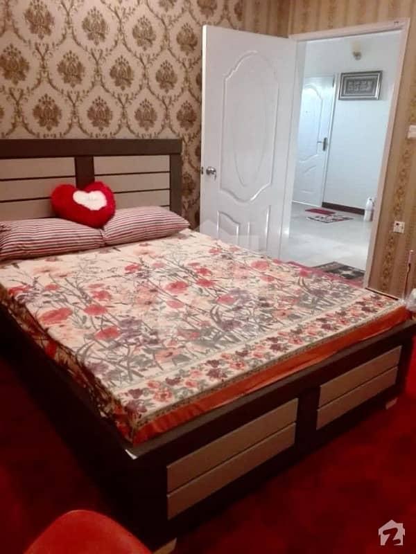 2 Bed Dd ,3rd Floor , 1080 Sqft ,slightly Used Semi Furnished Near Iqra University