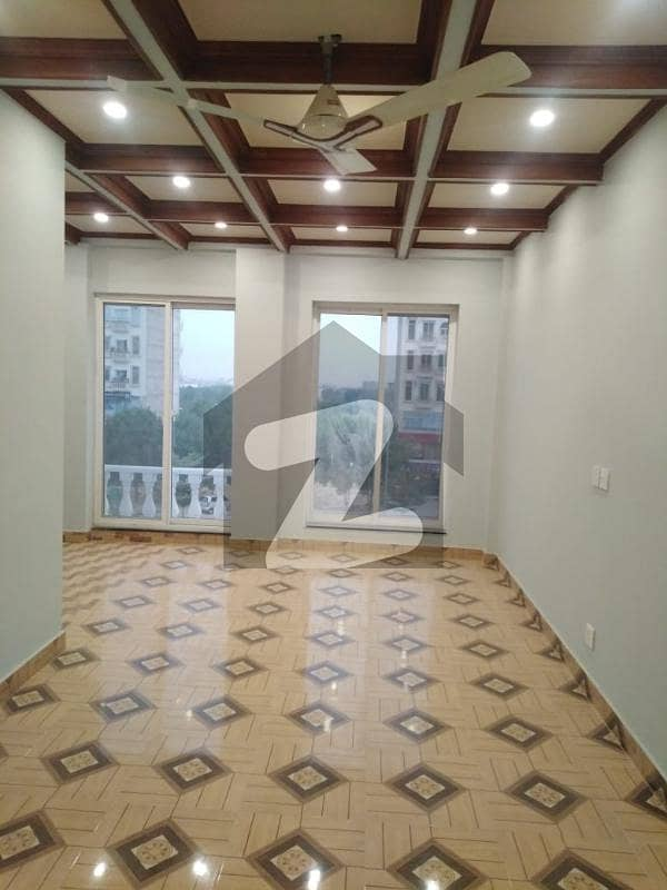 Vip Location Flat Available In Bahria Town Lahore