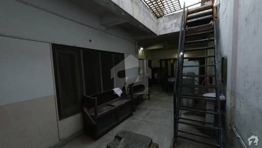 Hostel Room Is Available For Rent