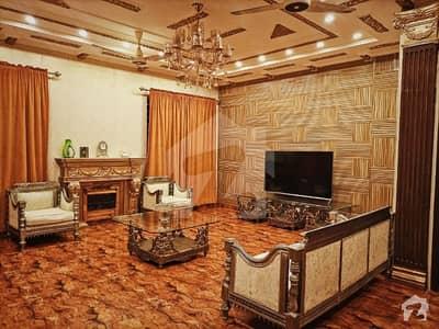 ڈی ایچ اے فیز 7 - بلاک ڈبلیو فیز 7 ڈیفنس (ڈی ایچ اے) لاہور میں 2 کمروں کا 1 کنال زیریں پورشن 1.2 لاکھ میں کرایہ پر دستیاب ہے۔