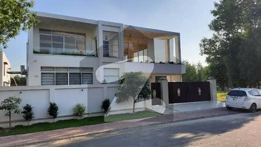 بحریہ ٹاؤن مین بلیوارڈ بحریہ ٹاؤن لاہور میں 8 کمروں کا 1.1 کنال مکان 5.75 کروڑ میں برائے فروخت۔