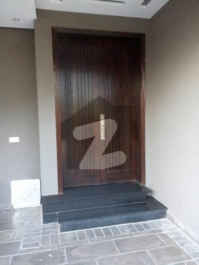 اسٹیٹ لائف ہاؤسنگ فیز 1 اسٹیٹ لائف ہاؤسنگ سوسائٹی لاہور میں 4 کمروں کا 10 مرلہ مکان 2.5 کروڑ میں برائے فروخت۔