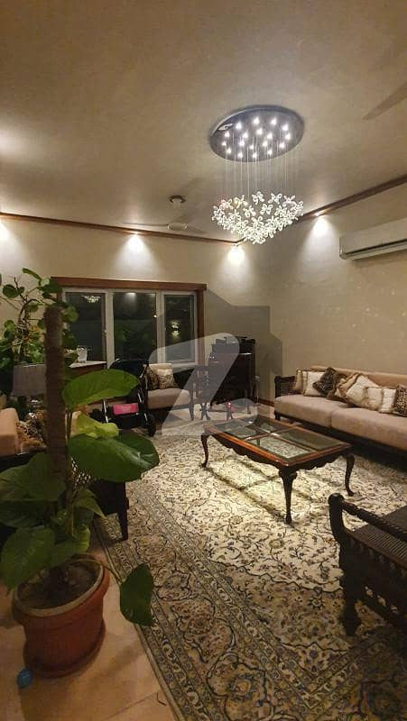 Luxury Outclass 500 Yards Bungalow For Sale In D-cutting Phase 8 Dha