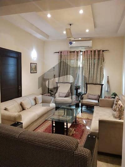 ڈی ایچ اے فیز 5 ڈیفنس (ڈی ایچ اے) لاہور میں 1 کمرے کا 5 مرلہ زیریں پورشن 40 ہزار میں کرایہ پر دستیاب ہے۔