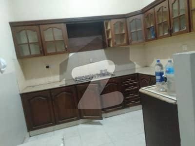 ڈی ایچ اے فیز 2 ڈی ایچ اے کراچی میں 4 کمروں کا 4 مرلہ مکان 1 لاکھ میں کرایہ پر دستیاب ہے۔